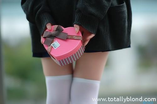 Подарок девушке на Новый Год (подсказки для мальчиков)