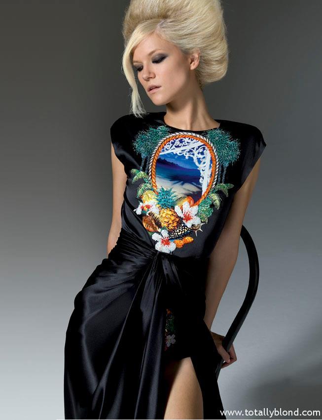 Versace_Atelier_FW11_03