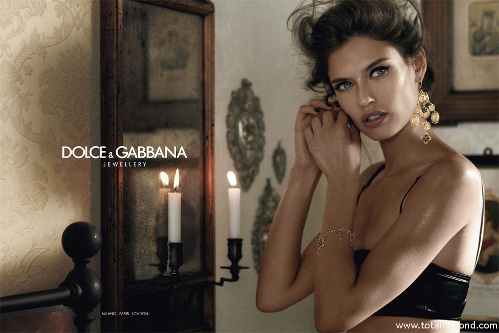 Bianca_Balti_Dolce_Gabanna_Jewellery_04