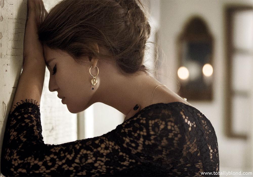 Bianca_Balti_Dolce_Gabanna_Jewellery_06