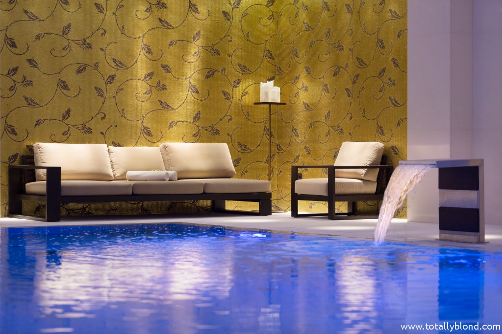 Pool Relax Zone