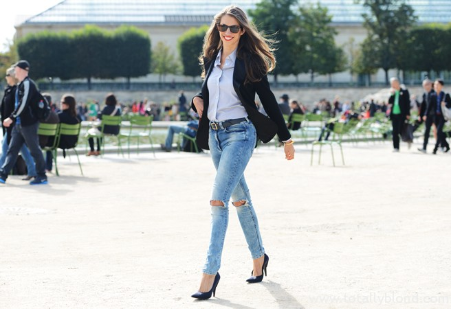 ripped-jeans-and-blazers-seen-at-paris-fashion-week-snapped-by-tommy-ton