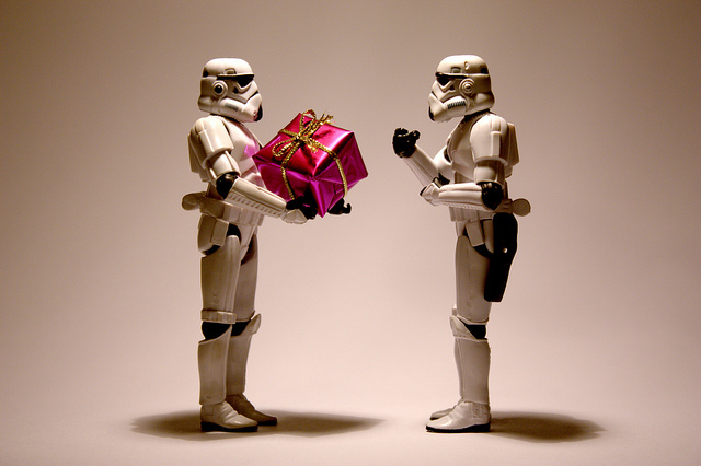 christmas-cute-present-star-wars-stormtroopers-Favim.com-120040